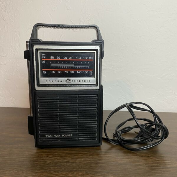 GE General Electric Model 7 2800B Portable Radio AM FM Tested and Working $24.98