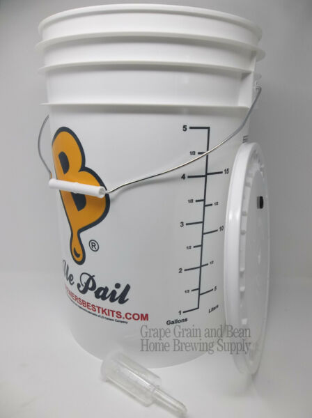 6.5 Gallon Fermenting Bucket with Lid and Airlock Plastic Fermenting Bucket