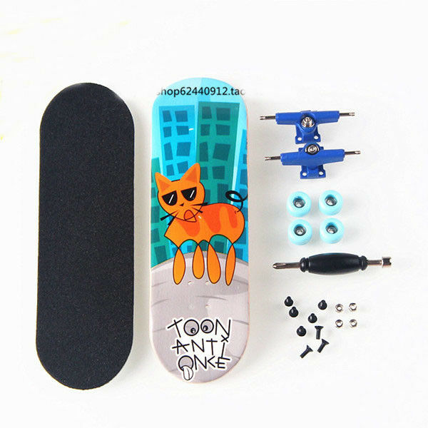 Black Basic Canadian Wood Complete Fingerboard -Box with Bearings and Nuts CM05