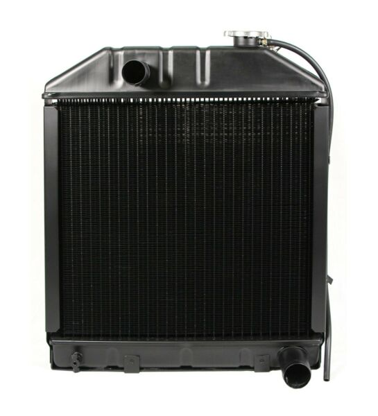 Radiator C7NN8005H for Ford NH Tractor 2100 2120 2300 2600 2610 3610 3900 4100 +