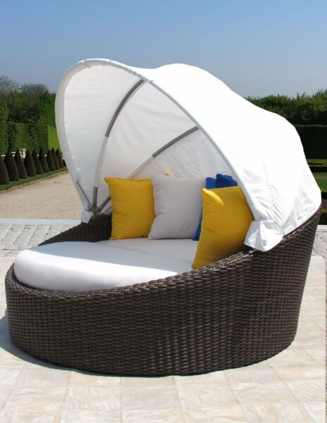 Premium Contract Quality Outdoor Woven Wicker Daybed Lounge Sunbrella Cushions