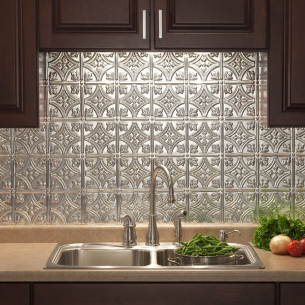 Fasade - 18in x 24in Traditional Style #1 Backsplash Panel