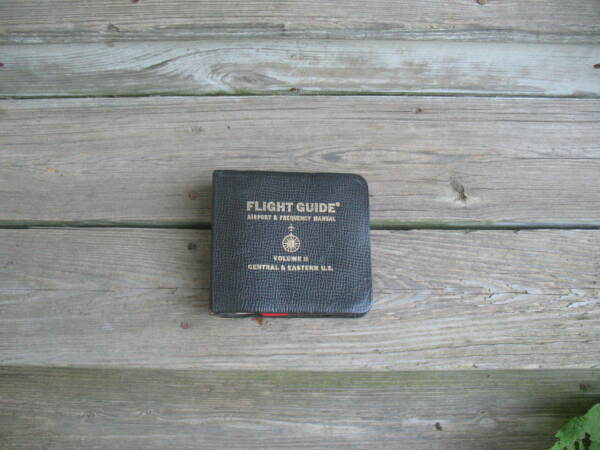 1964 Leather Cov Flight Guide Airport & Frequency Manual Central & Eastern U.S.