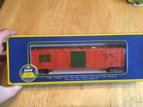 Associated Hobby Manufacture Box Car 50#x27; Combination. Maine Central Model 5422 D $22.00