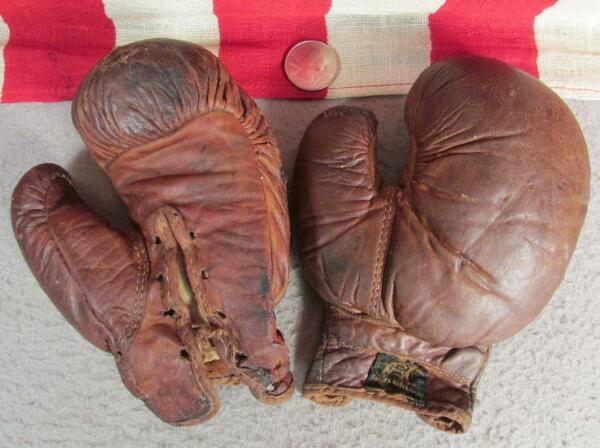 Vintage Draper Maynard D&M Leather Youth Boxing Gloves Antique early 1900's Rare