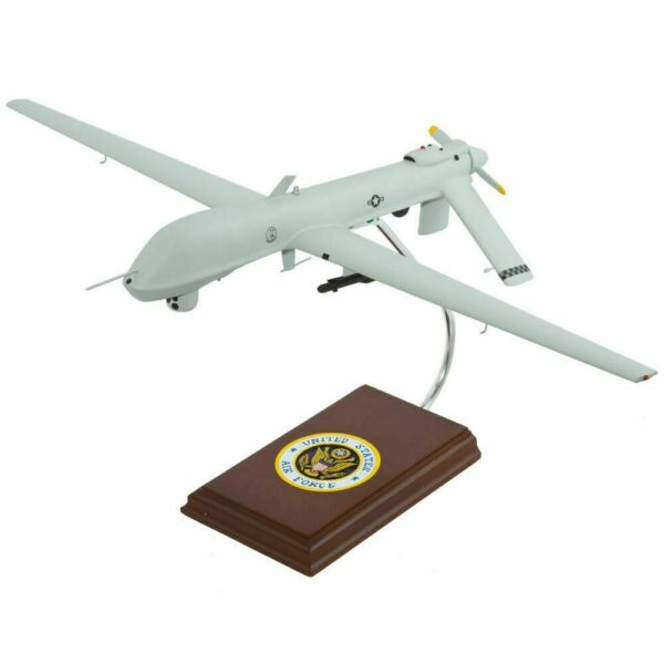 Airplane USAF General Atomics MQ-1 Predator Drone 11