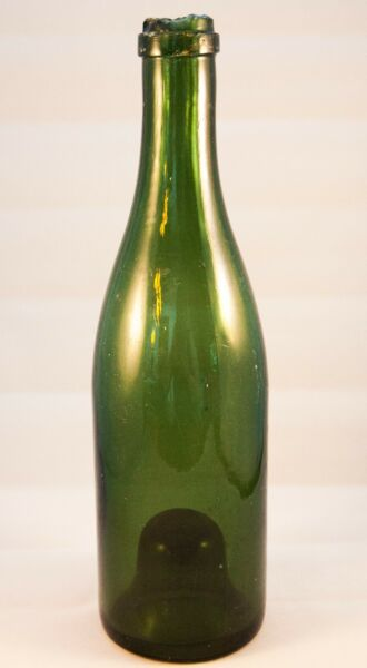 Small Antique Deep Green Glass Pint Burgundy Wine Bottle w Punt
