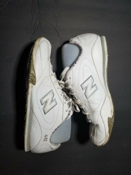 New Balance 442, womens, athletic, tennis shoes, size 7, white