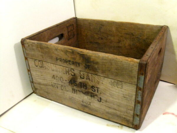 Vintage Consumers Dairy Wooden Milk Crate Delivery Box Union City NJ