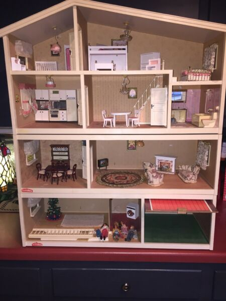 Vintage LUNDBY 4 Levels Doll House & Accessories