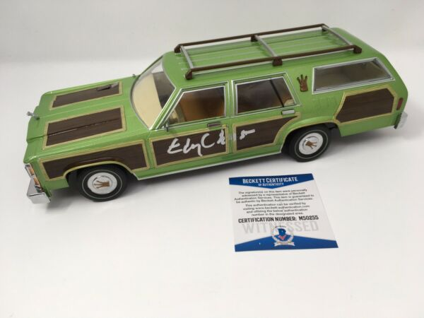 VACATION WAGON QUEEN FAMILY TRUCKSTER Diecast Car 1:18 Chevy Chase Signed Auto