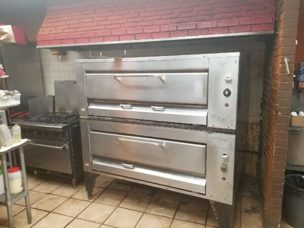 Montague 24P-2 Double Stack Hearth Bake Gas Pizza Oven #1480-1481
