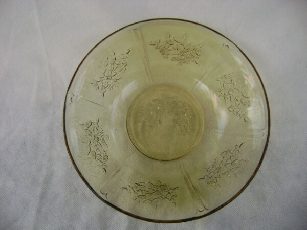 Federal Amber Sharon Cabbage Rose Large Vegetable Salad Serving Bowl.