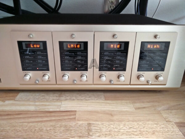 ACCUPHASE DF-35 DIGITAL FREQUENCY DIVIDIER + DI2-HS1 CARD - PRISTINE