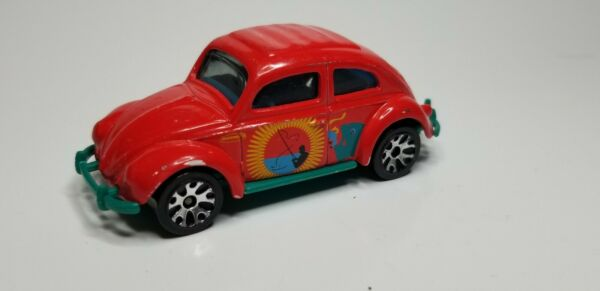 2002 Matchbox '62 VW Volkswagen Beetle Bug - Red Fishing -Weekend Heroes - MB363