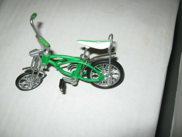 Schwinn Stingray Green Krate Flick Trix Toy 2010 Minty Bicycle BMX Finger Bike