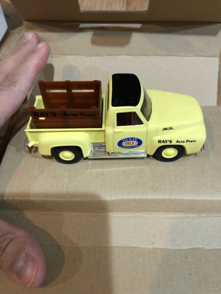 Box7 MATCHBOX DIXIE GAS PARTS AND SERVICE CUSTOM 1953 FORD PICK UP TRUCK Yellow