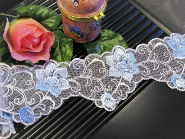 Amazing blue white  embroidery floral lace trim - price for 1 yard