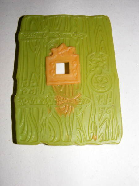 1965 Green Ghost Game Square Pit Cover