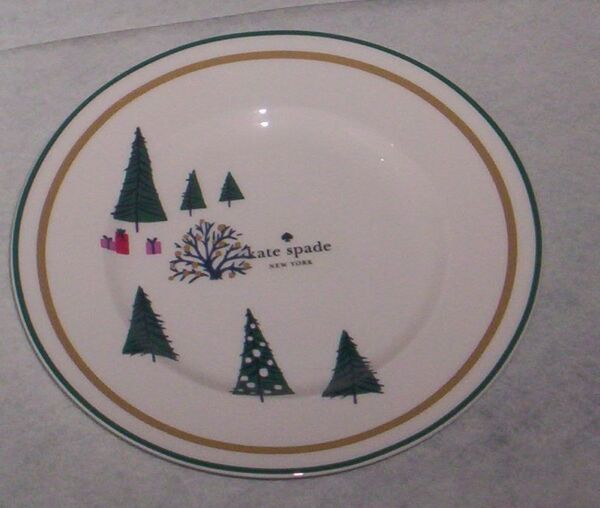 2  Kate Spade Arbor Village Red Christmas Salad Accent Plates   New