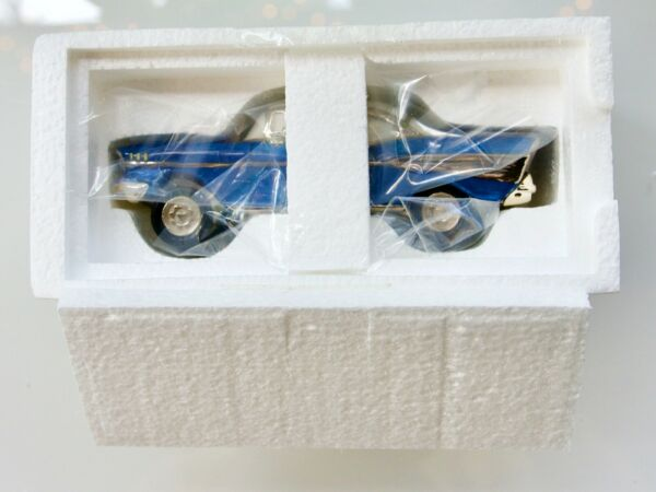DEPARTMENT 56#56.55283 SNOW VILLAGE CLASSIC CARS 1957 CHEVROLET BEL AIR NEW OB