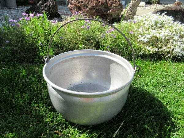 VINTAGE ALUMINUM PANBOWLBUCKETPAIL WITH HANDLE- Stamped