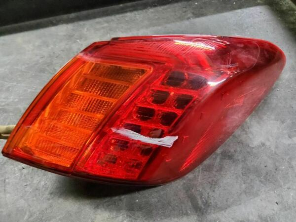 Passenger Tail Light Quarter Panel Mounted Fits 09-10 MURANO 690250