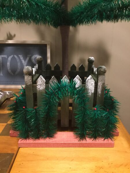 4pc VINTAGE GOOSE FEATHER TREE FENCE~CHRISTMAS GERMANY~1 ARBOR~3 RAILS~WOOD BASE