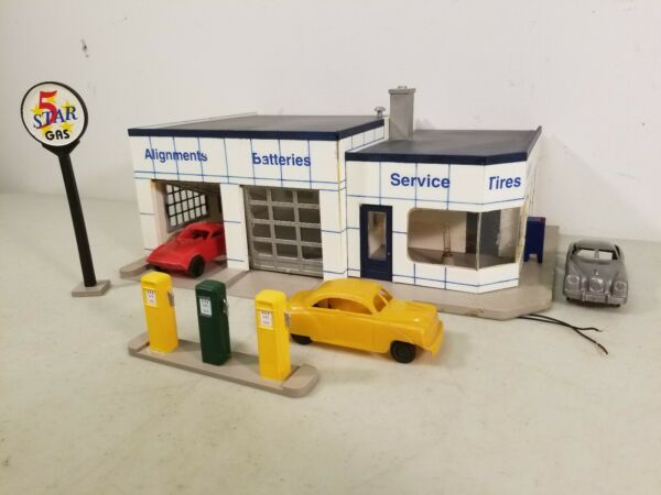 Walthers Cornerstone O Scale Lighted Five Star Gas Service Station + 3 Cars