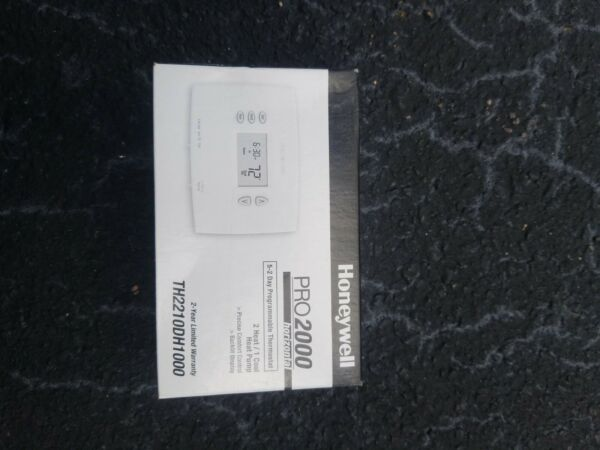 Honeywell PRO 2000 Programmable Heat Pump Thermostat TH2210DH1000 $29.00