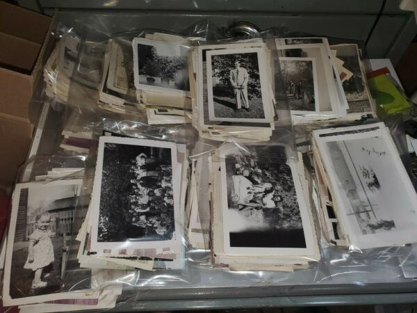 LOT OF 100 ORIGINAL RANDOM FOUND OLD PHOTOS MOSTLY Bamp;W VINTAGE SNAPSHAPSHOTS