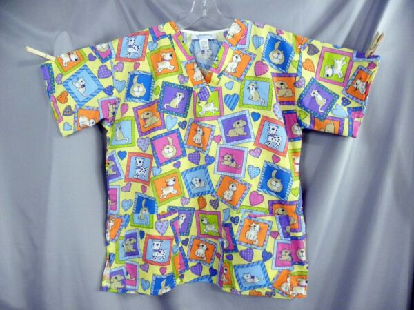 Womans Medium Scrub Top Dogs And Cats Veterinarian $9.95