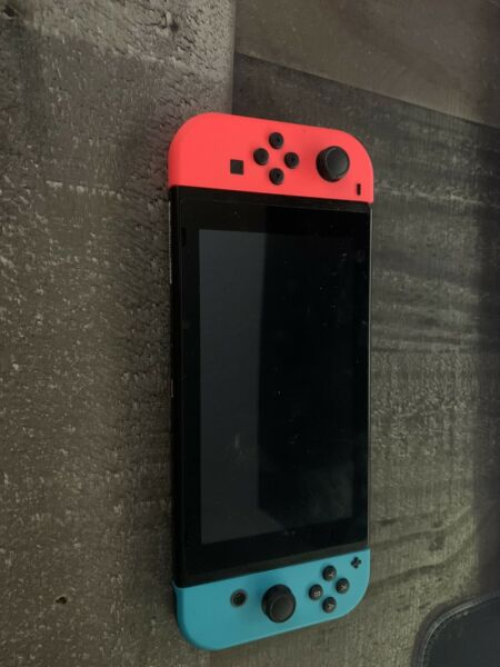 Nintendo Switch 32GB Neon Red Neon Blue Console