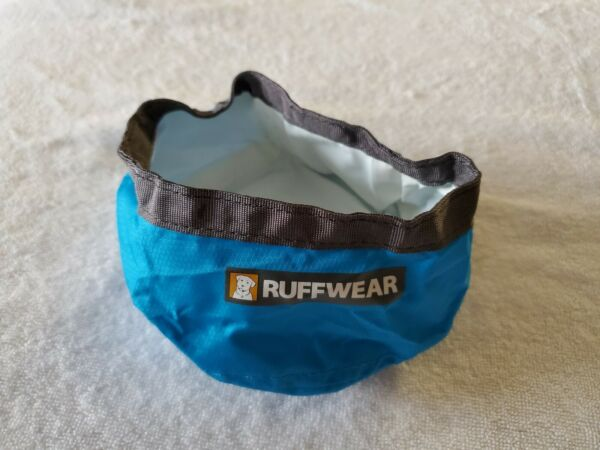 Ruffwear Trail Runner Travel Dog Bowl 6 Inch 32oz Light Blue $10.00