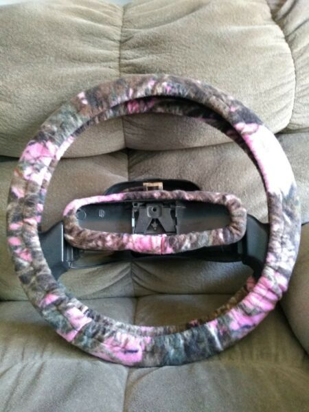 PINK MOSSY CAMO FLEECE STEERING WHEEL COVER SET