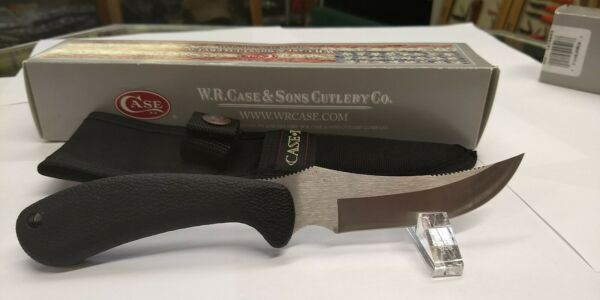 Case fixed blade Ridgeback Hunter 0362 New in box with sheath