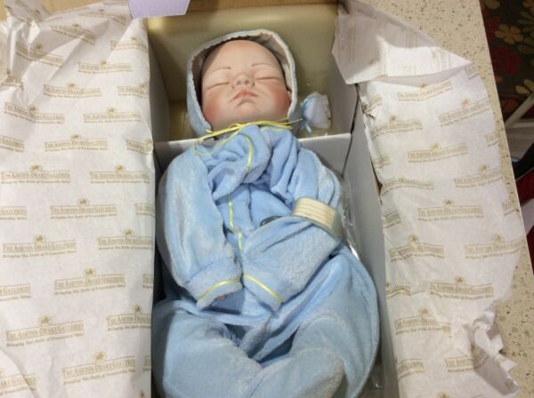 "Vtg 1993 Ashton Drake Baby Doll ""It's a boy"" Nursery Newborn Weighted Joyce Wolf"