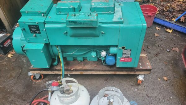 ONAN 15 KW generator natural gas or propane low hour unit $1900.00