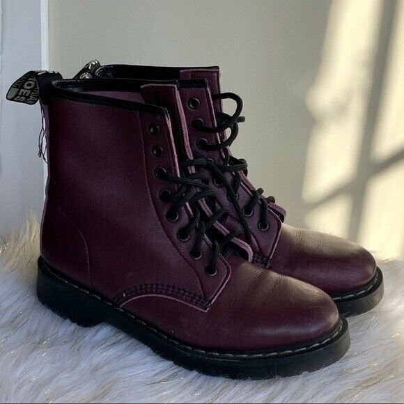 Vegetarian Shoes burgundy boots size 6 New Without Box $56.90