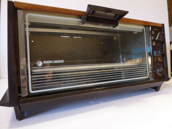 VTG 70s Black and Decker Toaster Oven TR100 with pans TESTED C $85.00