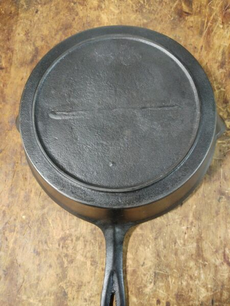 Fancy Handle Cast Iron #9 Skillet with Inset Heat Ring and Gate Marked Cooking