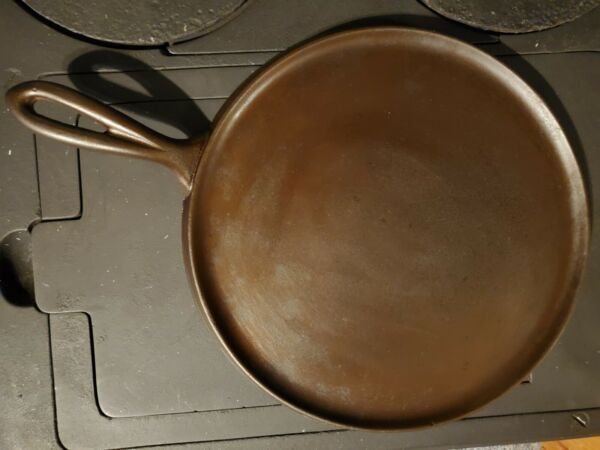 Rare quot;ERIEquot; Cast Iron griddle #9