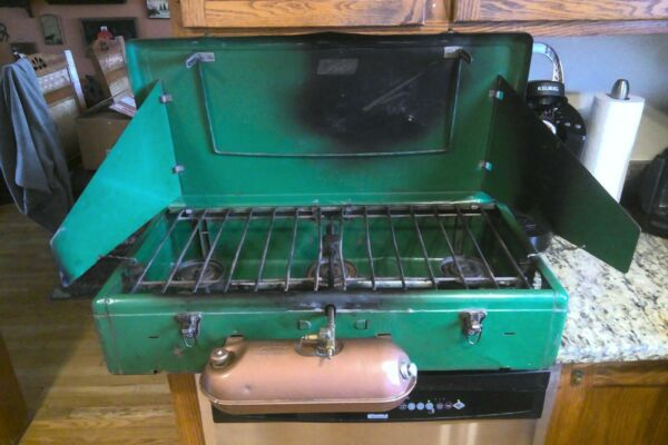 Coleman 3 Burner Gas Stove Cooking Outdoor Grill 426B Gold Tank