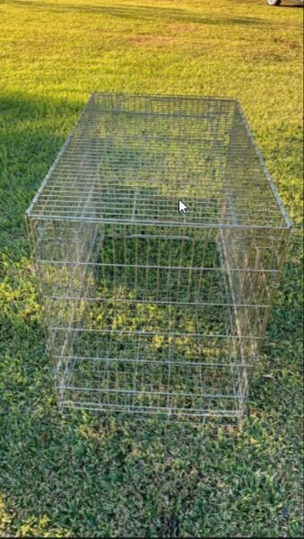 Large crate for a dog pet; metal tray and two entry doors; 36quot; x 48quot; x 28quot;