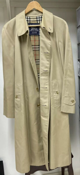 Vintage BURBERRY Men's Single Breasted Classic Trench Coat size 46 R $100.00