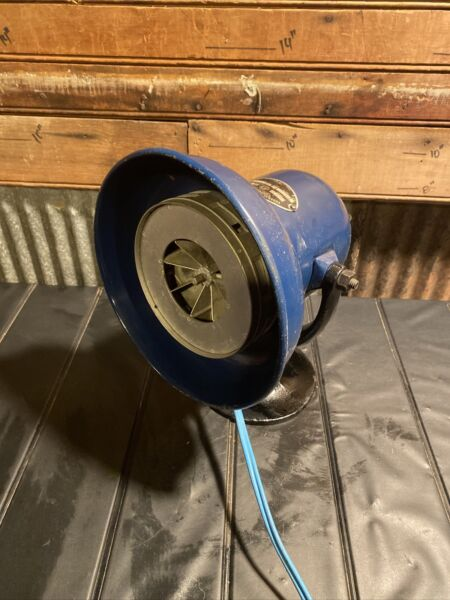 Vintage Federal Sign and Signal Siren Model D 2.2 amps 110 120 volts Cast base