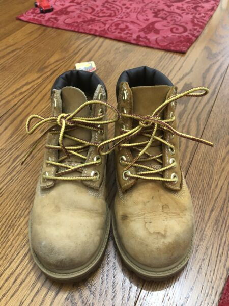 Timberland Boots Toddler Size 9 Wheat Nubuck Leather $20.00