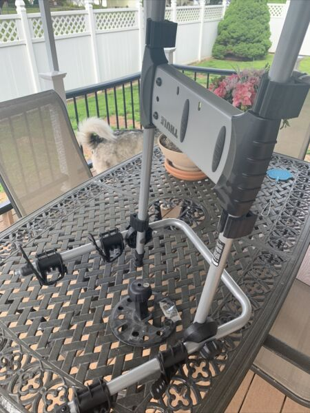 THULE 2 Bike SPARE TIRE BIKE RACK FITS JEEP RAV4 And HONDA CRVs With A Tire. $150.00
