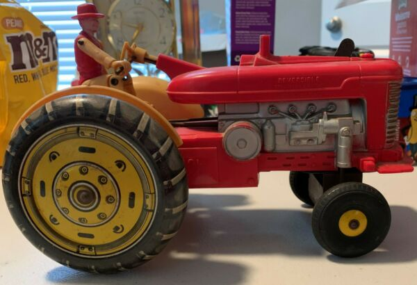 LOUIS MARX TRACTOR PLASTIC AND TIN ELECTRIC NOT WORKING $15.00