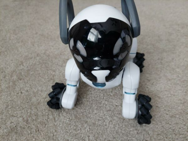 WowWee 0805 Chip Robot Toy Dog For Parts Repair $35.00